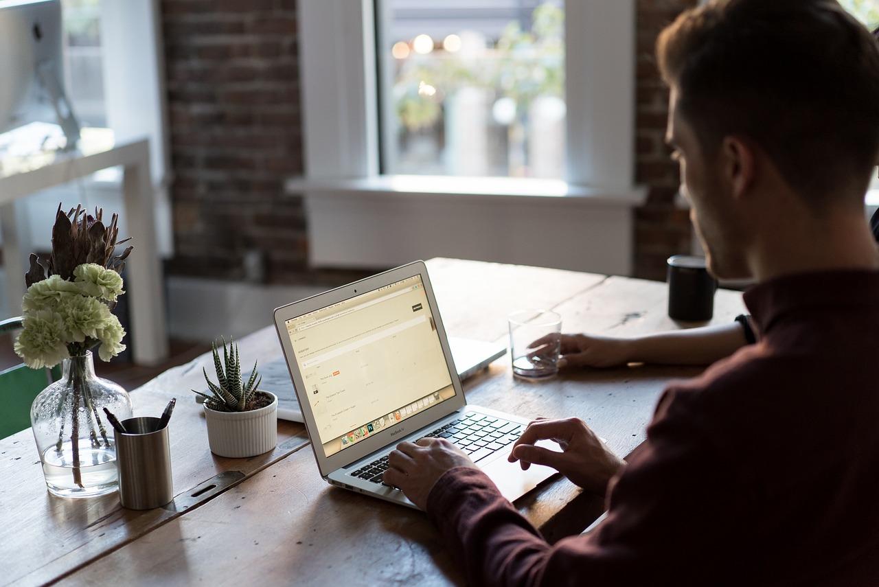 Obieg dokumentów w firmie – sprawne działania