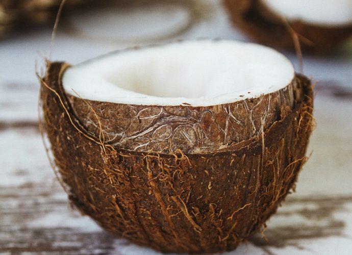 Czy warto używać oleju kokosowego?