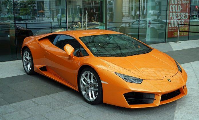 Przejażdżka sportowym samochodem marzeniem wielu osób